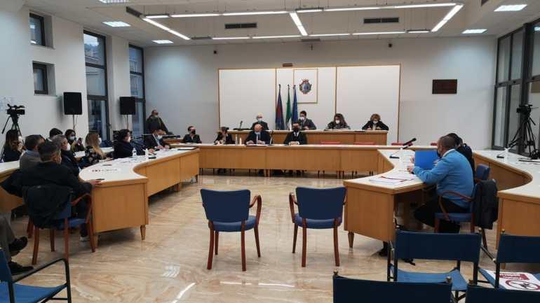 Sito di stoccaggio di inerti a Fondi: NO unanime da parte del Consiglio comunale