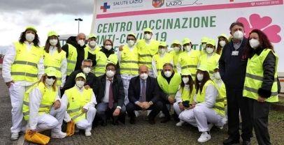 Covid: Zingaretti visita drive in vaccinale a Volmontone outelt