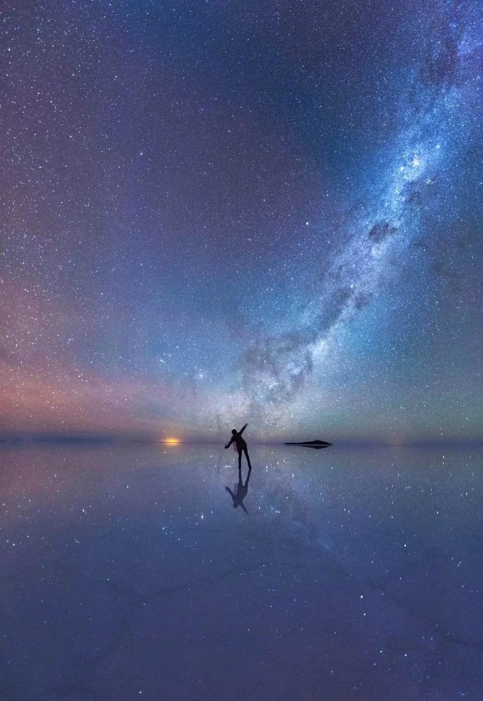 Céu noturno espelhado / Xiaohua Zhao