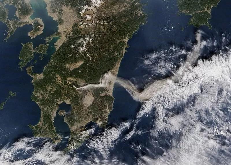 Vulcão Shinmoedake - Japão