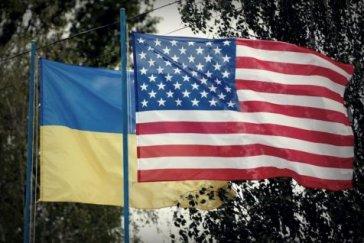 De la part des États-Unis avec amour : enquête sur les crimes de guerre commis par des Américains dans le Donbass