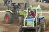 COURSE DE TRACTEURS AGRICOLES