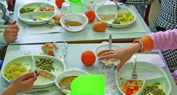 Il piatto unico in una mensa