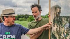 Miguel Altieri, con il cappello, e Marco Minciaroni durante una lezione di agroecologia tenuta presso le aziende del castello di Montalera