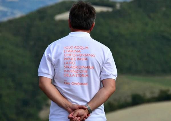 La Maglia con lo slogan della Cooperativa Gino Girolomoni