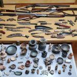 Armi e reperti archeologici in casa: arrestato 50enne