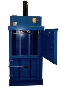 Ag-mac V40 Small Waste Baler