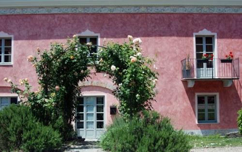 Tenuta la Romana un agriturismo a Nizza Monferrato