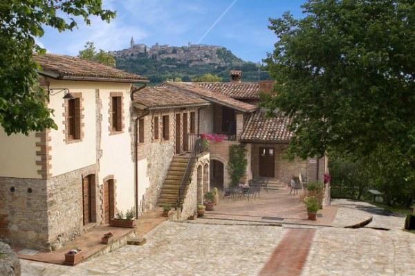 Casale delle Lucrezie un agriturismo in provincia di Perugia