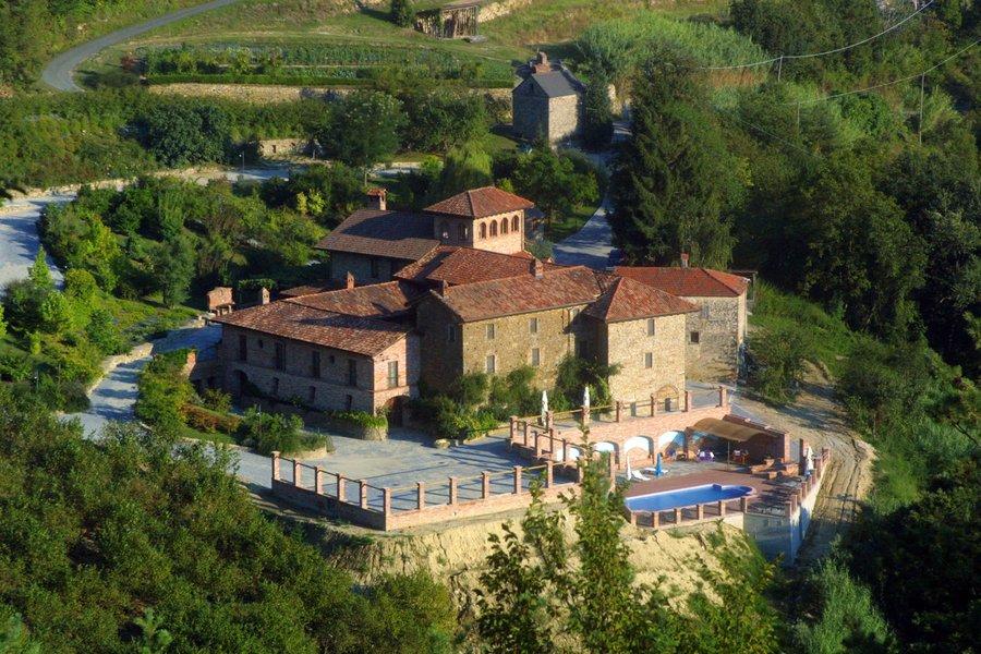 Agriturismo Castel Martino a Cortemilia  Cuneo  Piemonte