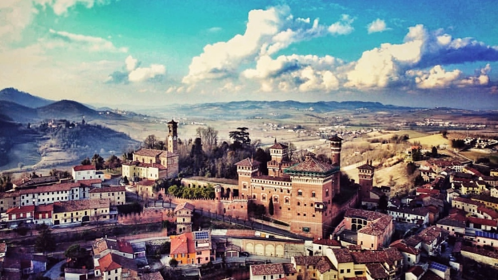 Panorama di cereseto e delle colline del Monferrato