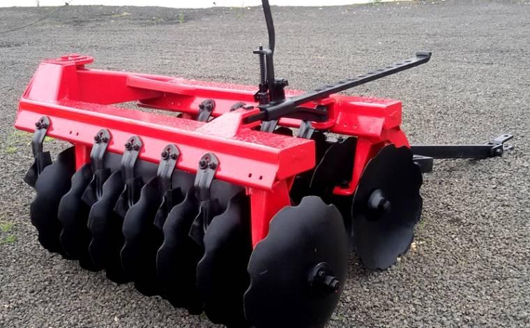 Grade Aradora de Arrasto 14 Discos / Baldan – Usada - Grades Aradoras - Baldan - Agrobill - Tratores, Implementos Agrícolas, Pneus