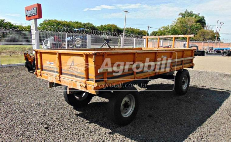 Carreta de Madeira 6 Toneladas – Acton > Usada -  - Acton - Agrobill - Tratores, Implementos Agrícolas, Pneus