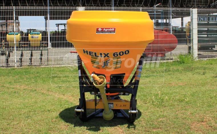 Distribuidor Semeador de Calcário e Fertilizantes JF HELIX 600 > Novo - Distribuidor de Calcário - JF - Agrobill - Tratores, Implementos Agrícolas, Pneus