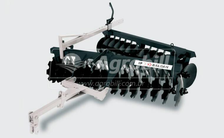 Grade Niveladora Super Peixe SP 24 x 20 x 3,5 mm / Mancal a Óleo – Baldan > Usada - Grades Niveladoras - Baldan - Agrobill - Tratores, Implementos Agrícolas, Pneus