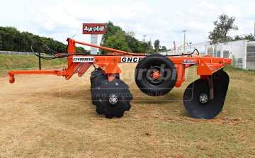 Grade Destorroadora / com Pneus GNCF 32 x 22″ x 4,5 mm– Civemasa > Nova - Grades Niveladoras - Civemasa - Agrobill - Tratores, Implementos Agrícolas, Pneus