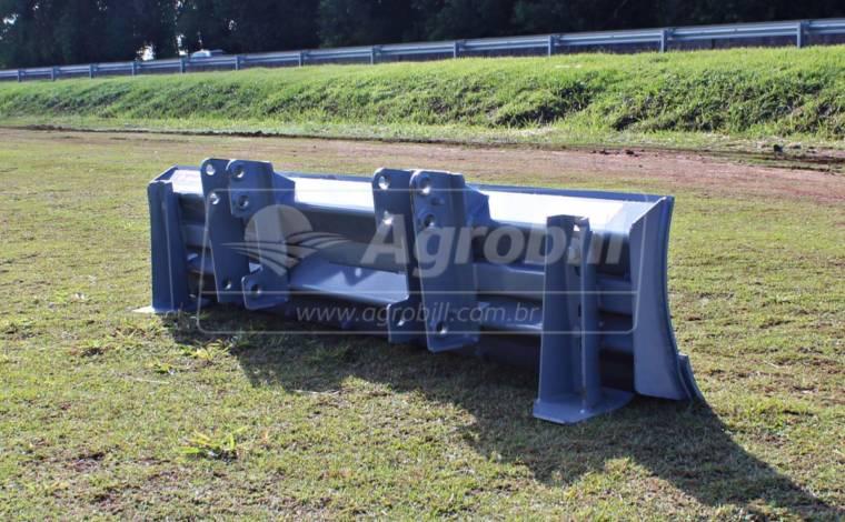 Lâmina Agrícola para PAM 600/800 2,4 m – Baldan > Nova - Acessórios para Plainas Dianteiras - Baldan - Agrobill - Tratores, Implementos Agrícolas, Pneus