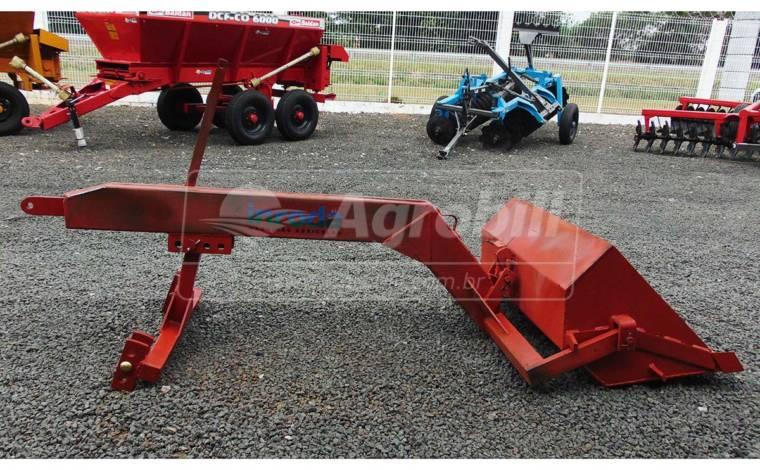 Pá Mecânica Traseira CCT 220 – Inroda > Usada - Pá e Concha Agrícola Traseira - ACJ - Agrobill - Tratores, Implementos Agrícolas, Pneus