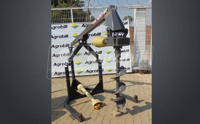 Perfurador de Solo PSH com Broca de 9″ – Baldan > Novo - Perfurador de Solo - Baldan - Agrobill - Tratores, Implementos Agrícolas, Pneus