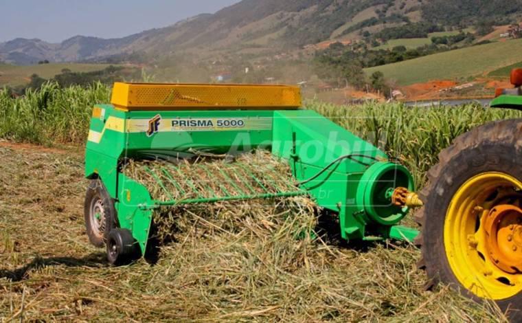 Enfardadeira Prisma JF 5000 > Nova - Enfardadeira de Feno - JF - Agrobill - Tratores, Implementos Agrícolas, Pneus