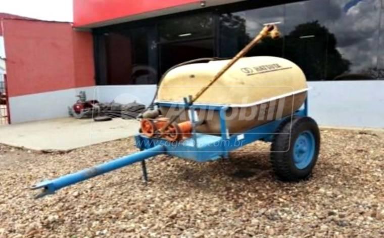 Tanque de Fibra 1.200 Litros com Bomba / Hatsuta – Usado - Tanque de Água - Hatsuta - Agrobill - Tratores, Implementos Agrícolas, Pneus