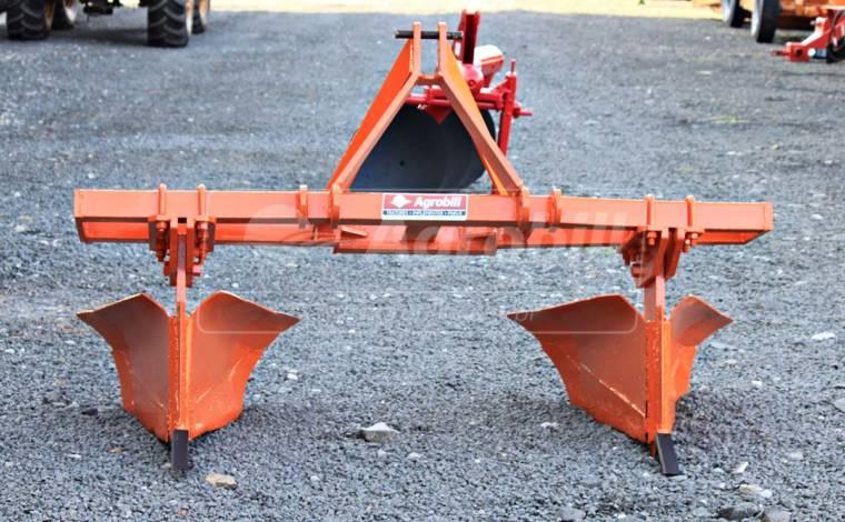 Sulcador 2 Linhas > Usado - Sulcador - Personalizado - Agrobill - Tratores, Implementos Agrícolas, Pneus