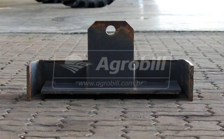 Suporte para Pesos Dianteiros – Trator > Usado - Peças para Tratores - Personalizado - Agrobill - Tratores, Implementos Agrícolas, Pneus