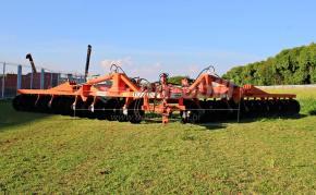 Terraceador de Arrasto TC30 E / 30 Discos – Civemasa > Novo - Terraceador - Civemasa - Agrobill - Tratores, Implementos Agrícolas, Pneus