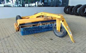 Vassoura Mecânica Rebocável VM7 > Usada - Vassoura Mecânica - Personalizado - Agrobill - Tratores, Implementos Agrícolas, Pneus