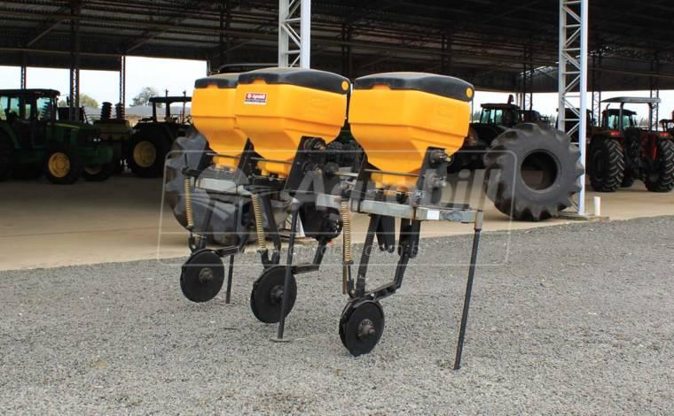 Cultivador ACD-N 3 Linhas / Adubador de Cobertura com Discos Duplos – Baldan > Usado - Cultivadores - Baldan - Agrobill - Tratores, Implementos Agrícolas, Pneus
