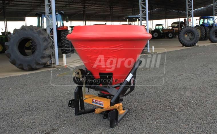 Distribuidor Semeador de Calcário e Fertilizantes SOFT 600 – Nogueira > Usado - Distribuidor de Calcário - Nogueira - Agrobill - Tratores, Implementos Agrícolas, Pneus