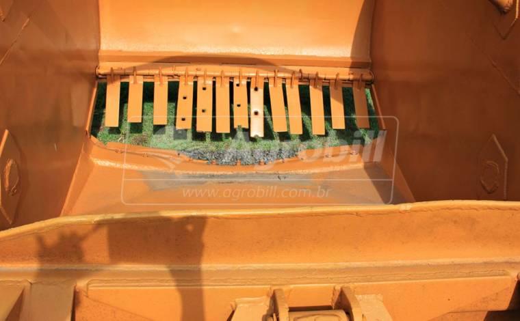 Scraper / Raspadeira 3.7 M³ – Madal > Usada - Scraper Raspadeira Agrícola controle remoto. - Madal - Agrobill - Tratores, Implementos Agrícolas, Pneus