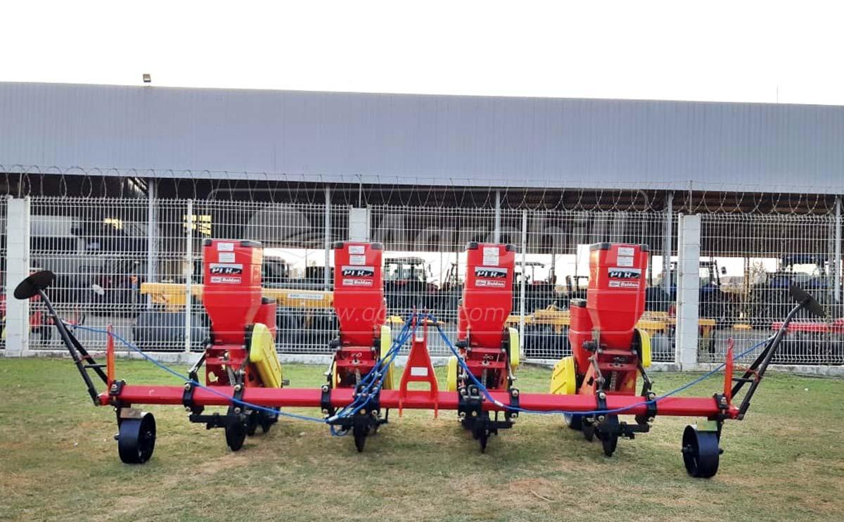 Plantadeira PLB Convencional 6 x 3800 mm / 6 Linhas com Roda de Borracha – Baldan > Nova - Plantadeiras - Baldan - Agrobill - Tratores, Implementos Agrícolas, Pneus