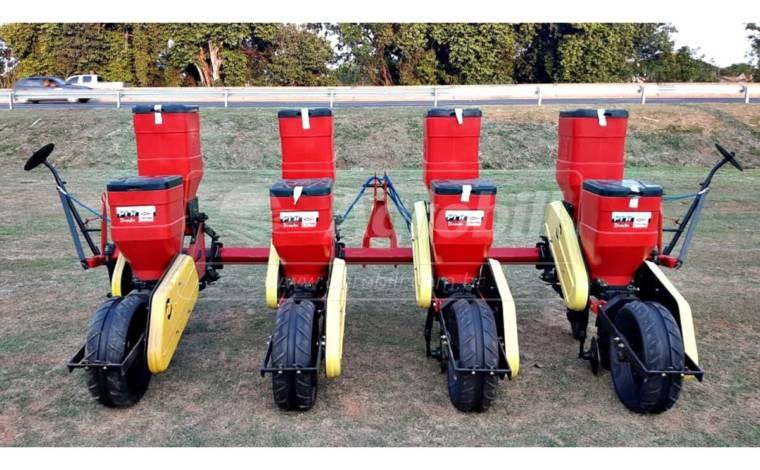 Plantadeira PLB Convencional 4 x 3800 mm / 4 Linhas com Roda de Borracha – Baldan > Nova - Plantadeiras - Baldan - Agrobill - Tratores, Implementos Agrícolas, Pneus