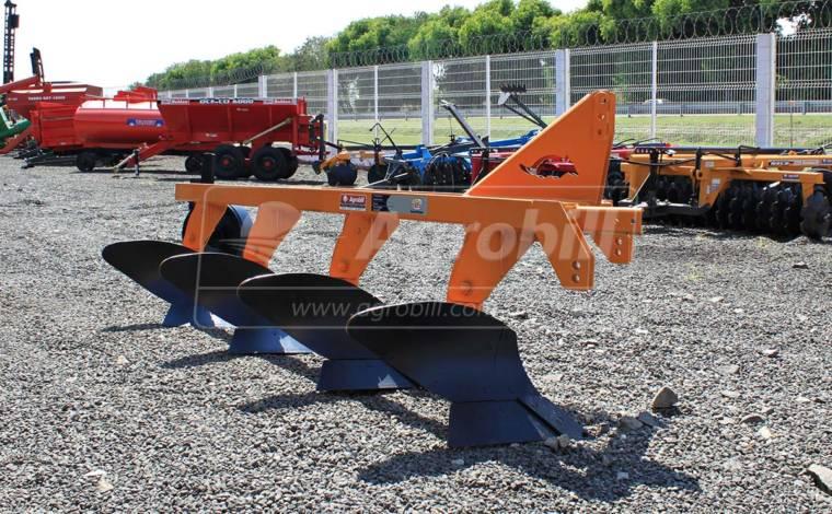 Arado de Aivecas Helicoidais AAH 4 – Tatu > Usado - Arado de Discos e Aivecas - Tatu Marchesan - Agrobill - Tratores, Implementos Agrícolas, Pneus