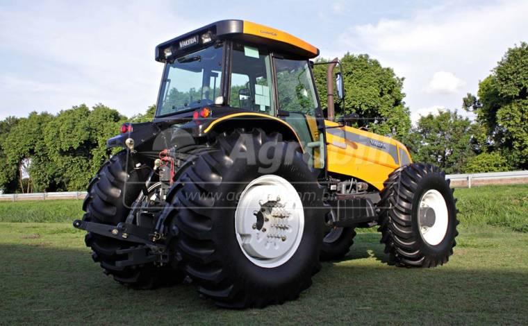 Trator Valtra BH 180 4×4 ano 2014 com 1588 horas. - Tratores - Valtra - Agrobill - Tratores, Implementos Agrícolas, Pneus