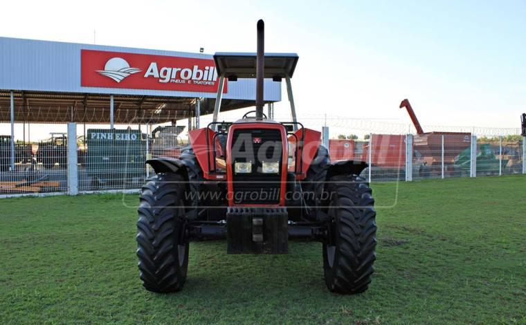 Trator Massey 650 4×4 Advanced ano 2006 com 3854 horas em otimo estado - Tratores - Massey Ferguson - Agrobill - Tratores, Implementos Agrícolas, Pneus
