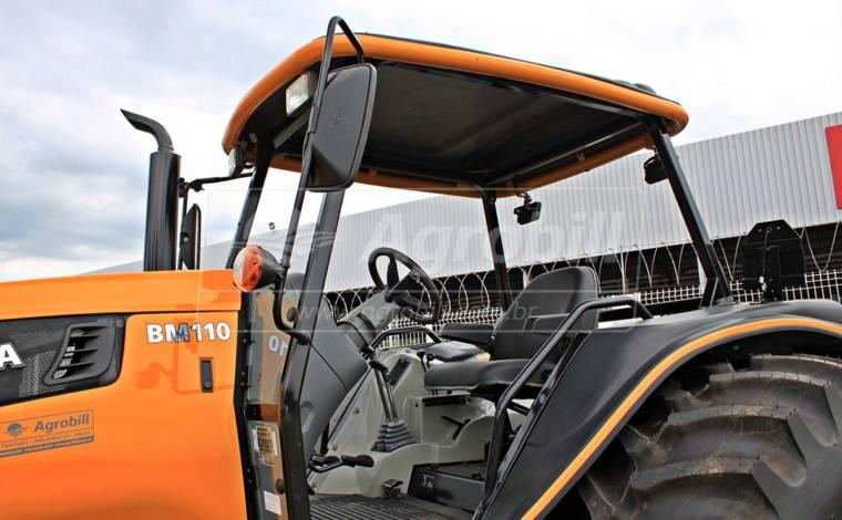 Trator Valtra BM 110 4×4 ano 2017 - Tratores - Valtra - Agrobill - Tratores, Implementos Agrícolas, Pneus