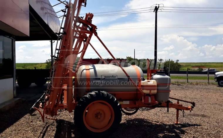 Pulverizador 2.000 Litros Columbia AD 18 / Jacto – Usado - Pulverizadores - Jacto - Agrobill - Tratores, Implementos Agrícolas, Pneus
