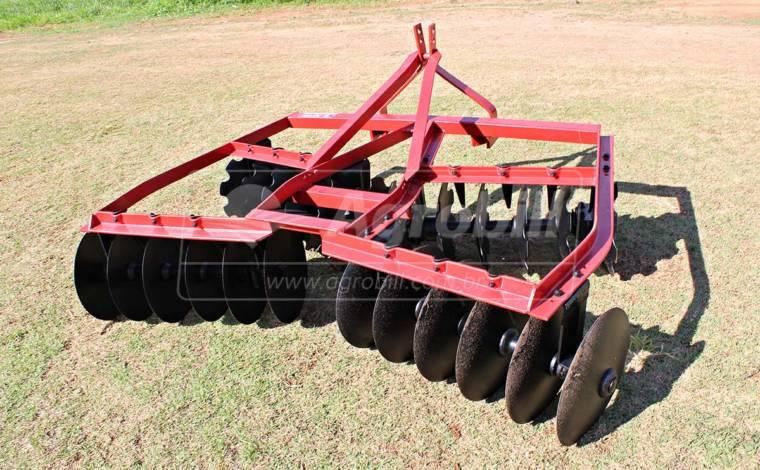 Grade Niveladora Hidráulica 24 discos > Usada - Grades Niveladoras - Personalizado - Agrobill - Tratores, Implementos Agrícolas, Pneus