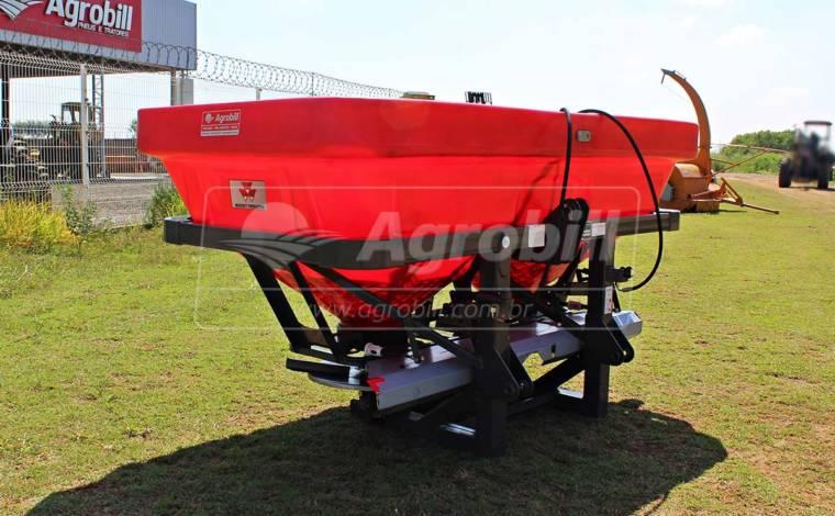 Distribuidor Semeador MF 2013 – Massey Ferguson > Usado - Distribuidor de Calcário - Massey Ferguson - Agrobill - Tratores, Implementos Agrícolas, Pneus