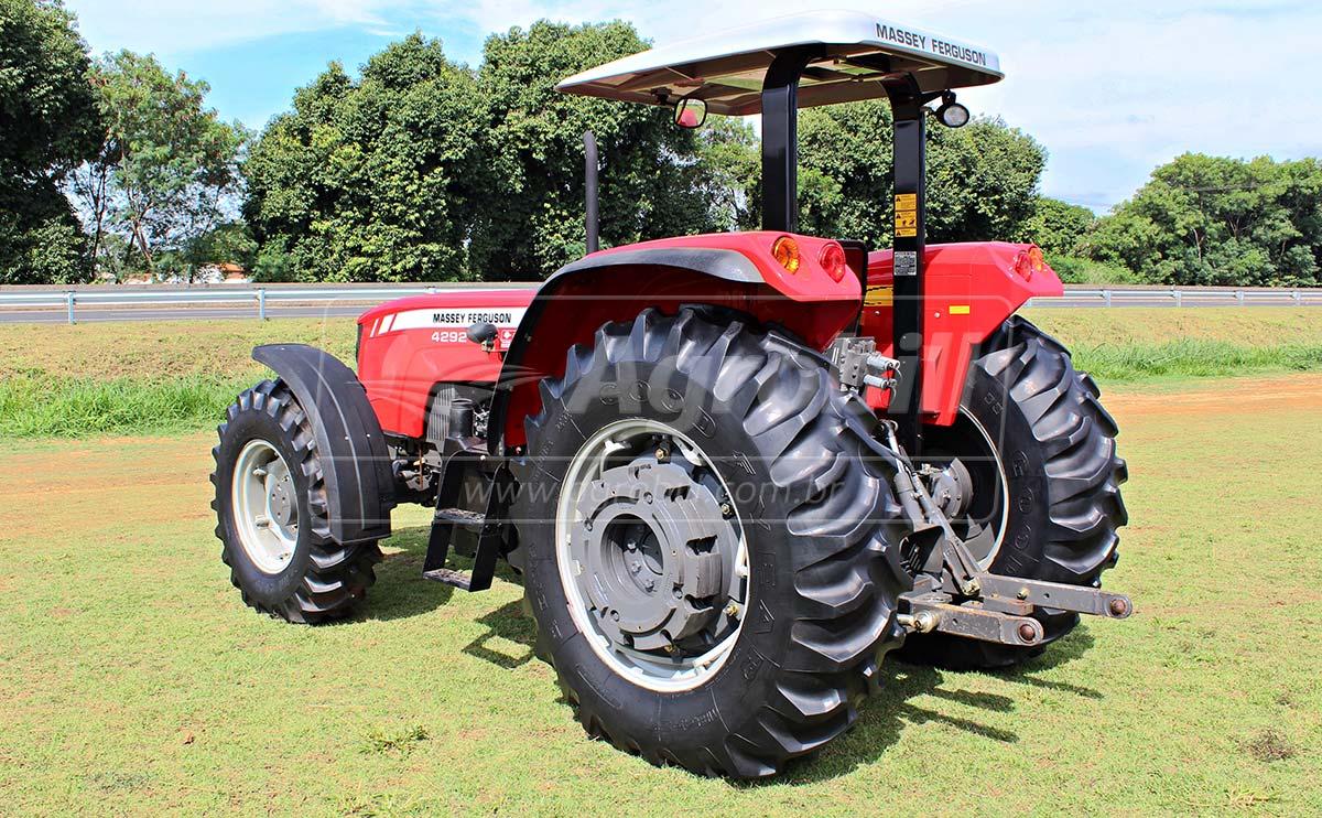Trator Massey 4292 HD 4×4 ano 2014 com 819 horas seminovo - Tratores - Massey Ferguson - Agrobill - Tratores, Implementos Agrícolas, Pneus