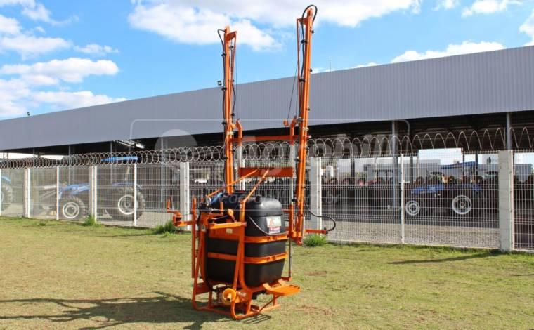Pulverizador 600 litros M12 / Comando 2 vias / Abertura Manual / Bomba 75 / Reabastecedor / Agitador / Lava Frasco – Cimag > Novo - Pulverizadores - Cimag - Agrobill - Tratores, Implementos Agrícolas, Pneus