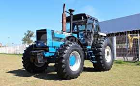 Trator New Holland 8830 4×4 c/ 4489 horas c/ Redutor de velocidade ( creeper ) - Tratores - New Holland - Agrobill - Tratores, Implementos Agrícolas, Pneus