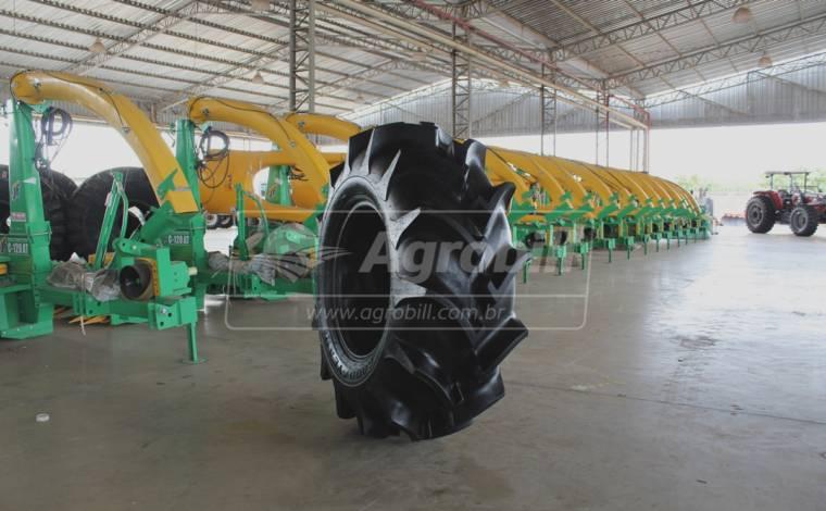 Pneu 18.4×26 / 10 Lonas – Goodyear – Super Arrozeiro II > - 18.4x26 - Goodyear - Agrobill - Tratores, Implementos Agrícolas, Pneus
