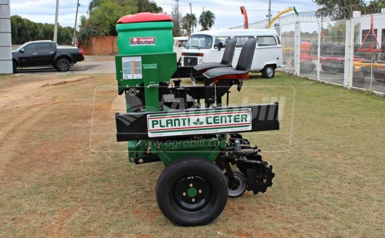 Plantadeira de Mandioca / Bazuca 2 linhas / com Plataforma Lateral – Planti Center > Nova -  - Planti Center - Agrobill - Tratores, Implementos Agrícolas, Pneus
