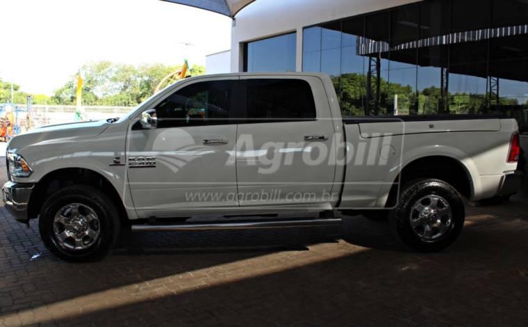 Dodge Ram / Único Dono / 4X4 / 20 mil Km / ano 2018 > Usada - Veículos - Volkswagem - Agrobill - Tratores, Implementos Agrícolas, Pneus