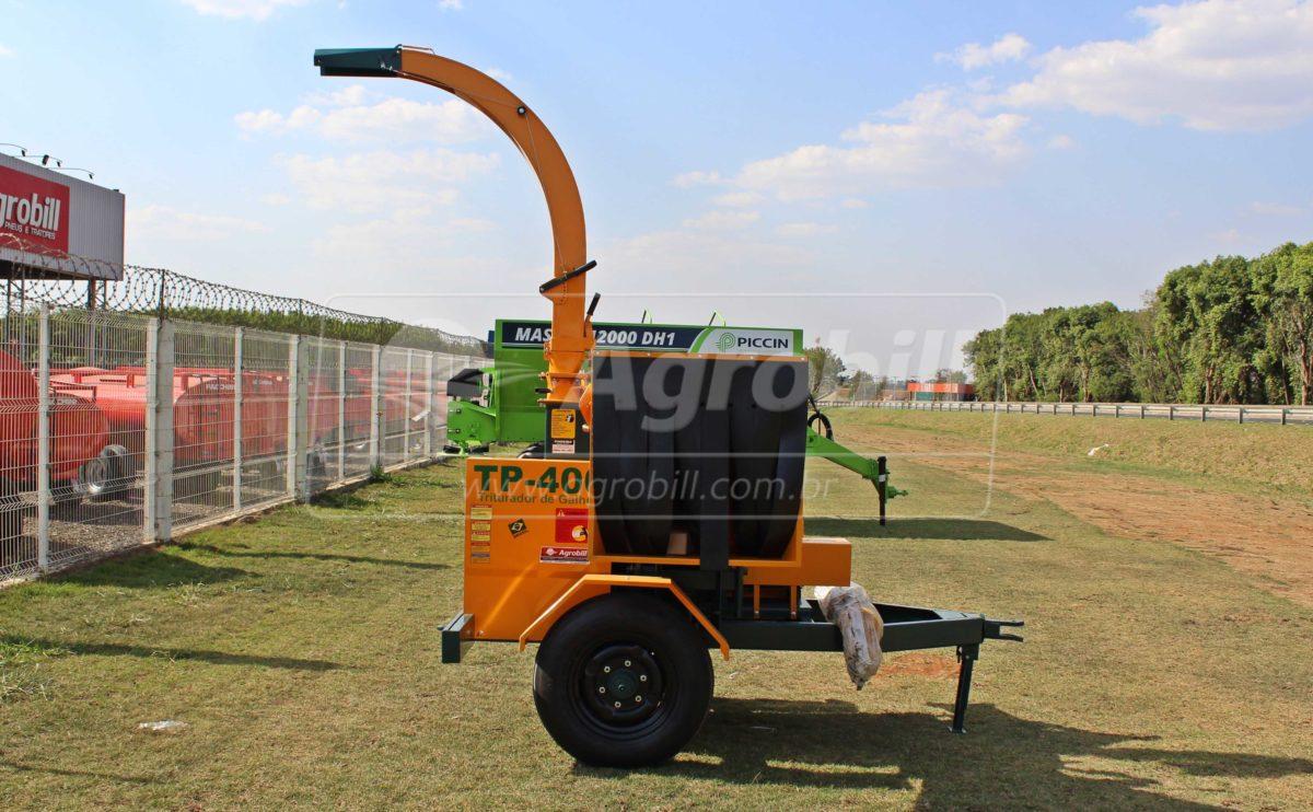 Triturador de Galhos TP-400 / Rodeiro – Pinheiro > Novo - Triturador / Triturador de Galhos - Pinheiro - Agrobill - Tratores, Implementos Agrícolas, Pneus