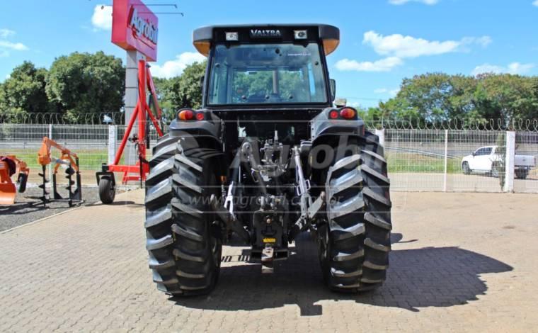 Trator Valtra BH 180 4×4 2014 unico dono de lavoura de grãos - Tratores - Valtra - Agrobill - Tratores, Implementos Agrícolas, Pneus