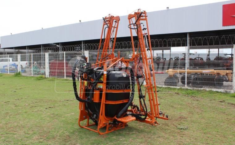 Pulverizador Jacto 600 litros modelo AM 12 comando 4 vias – Condor > Usado - Pulverizadores - Jacto - Agrobill - Tratores, Implementos Agrícolas, Pneus